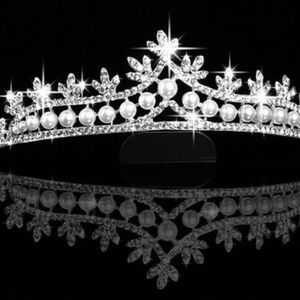 Jewelry - Amazing Faux Diamond and Pearl Bride Tiara